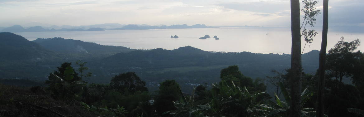 View over Ban Taling Ngam, 5 islands and main land - Lipa Noi Treks
